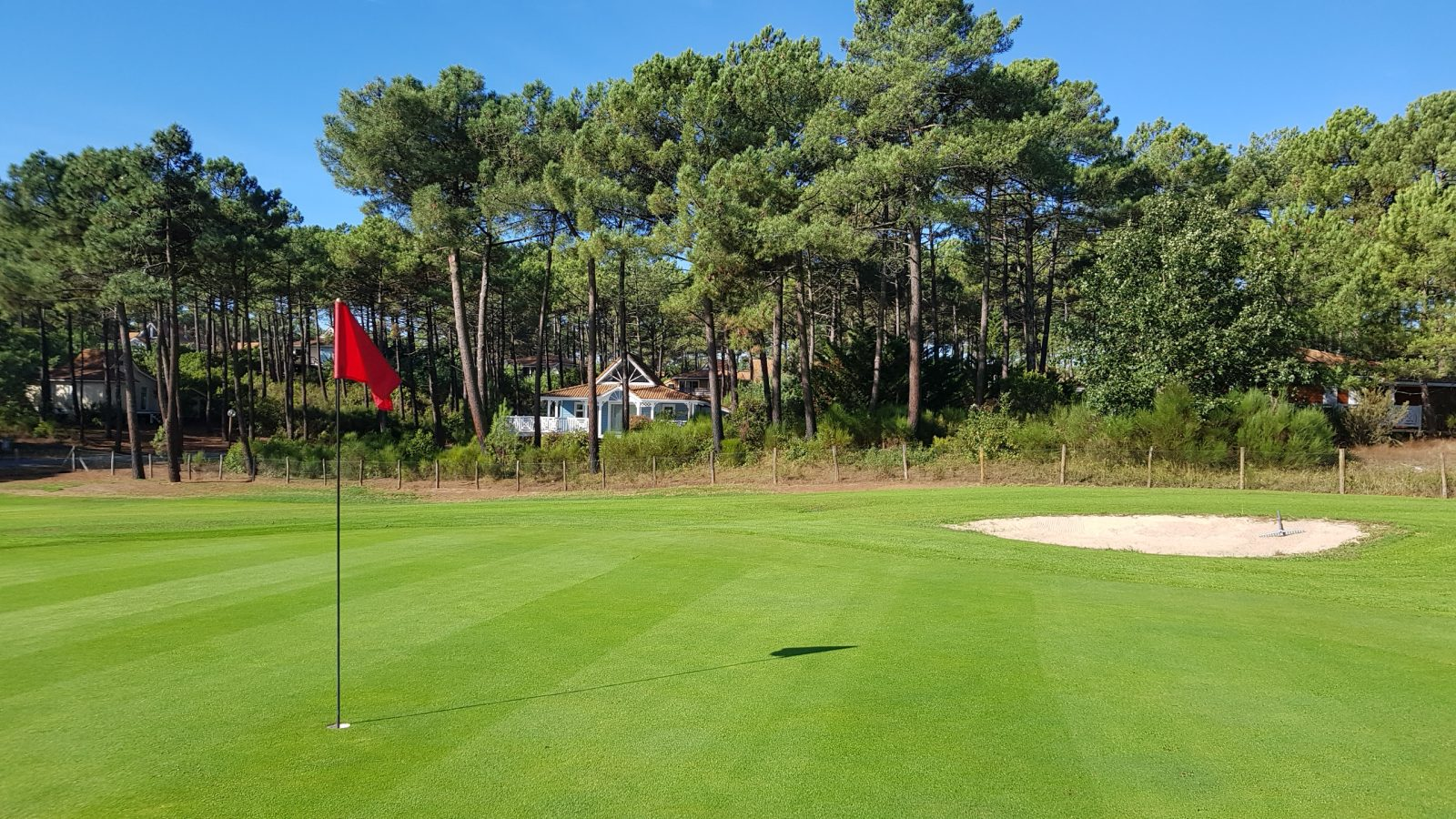 Naturist Golf Near Bordeaux - La Jenny