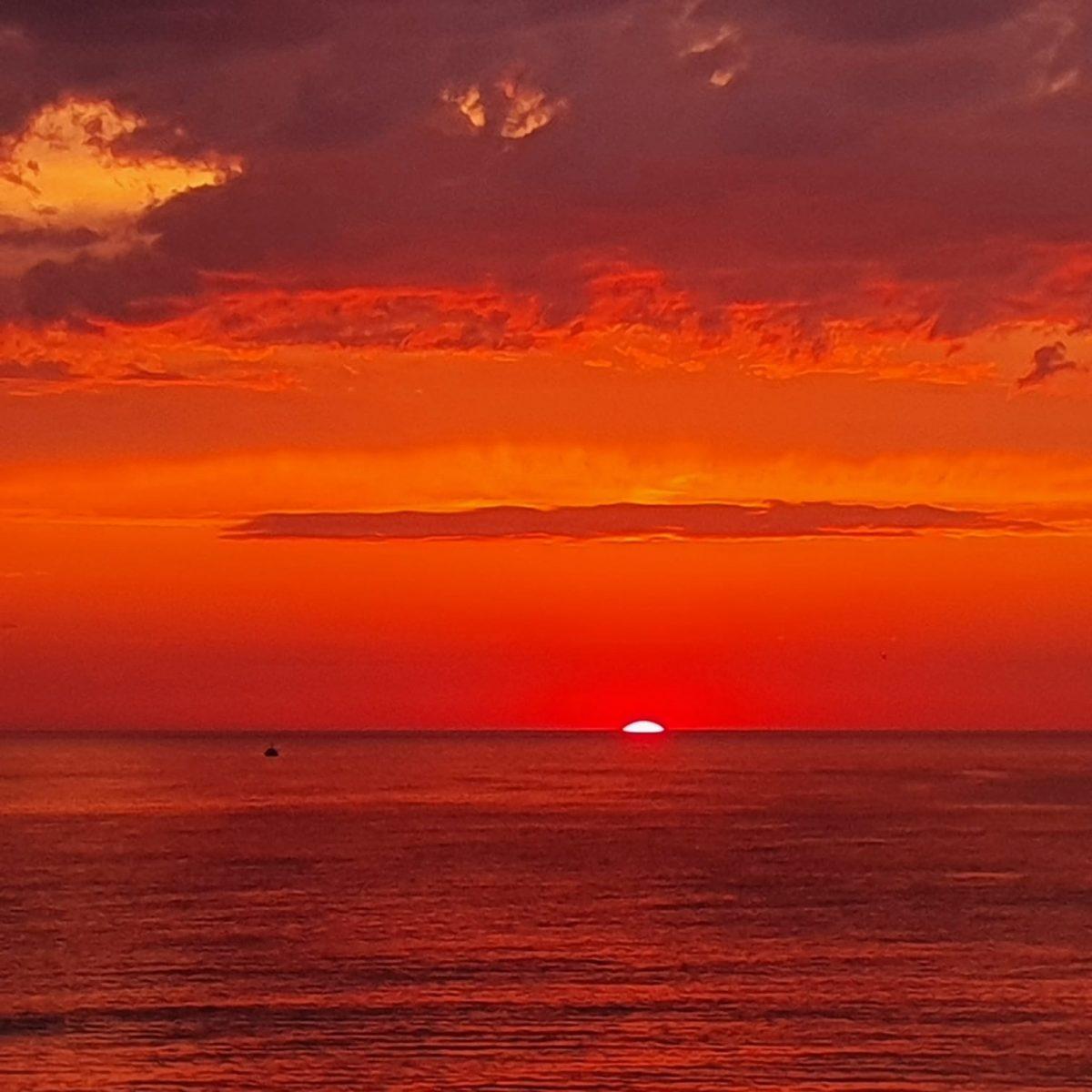 Sunset plage La Jenny